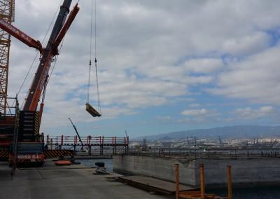 A través de Acciona, colaborando en la construcción de la Plataforma Oceanográfica (PLOCAN)