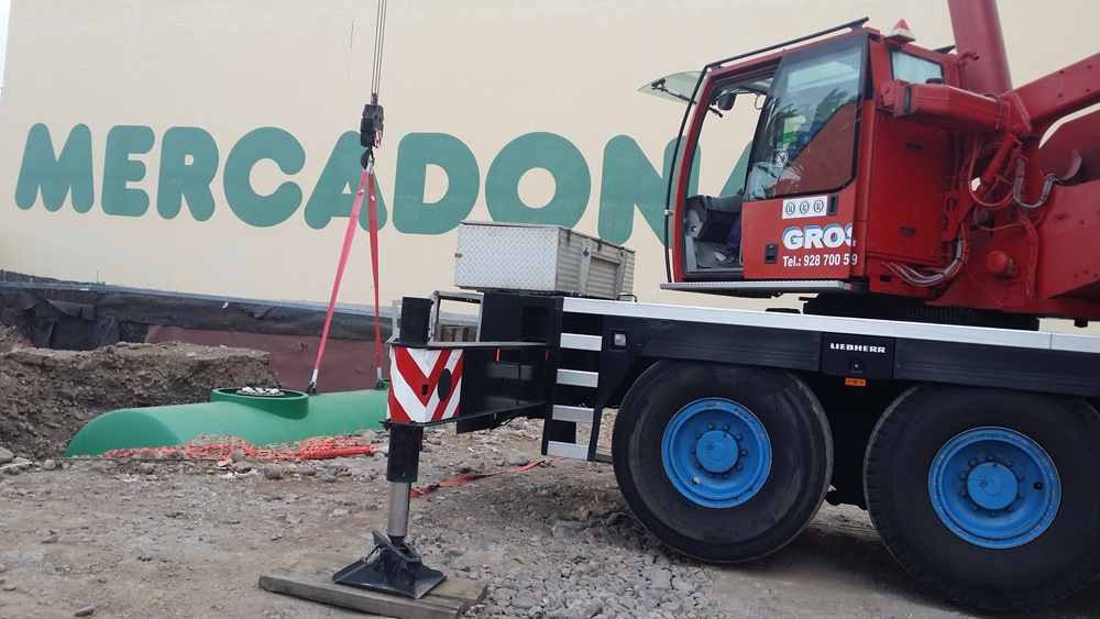 Rental of Cranes and Fork-lift trucks at Las Palmas de Gran Canaria - Grosa S.L.